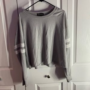 grey Almost Famous cropped long sleeve crew neck!